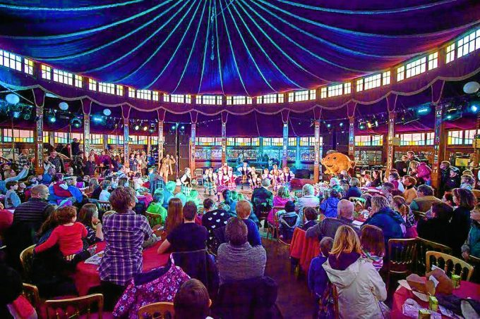 The Spiegeltent is returning to the festival as the blueprint for the seventh event also reveals plans for two new strands. The quirky entertainment venue ... & Spiegeltent returns to Big Burns Supper - DnG24