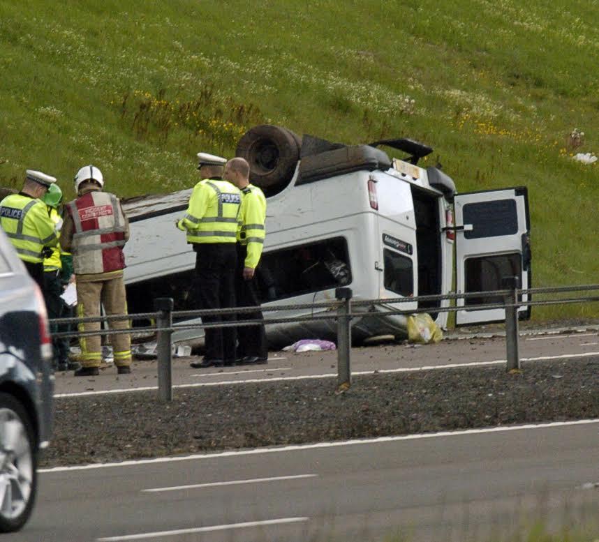 'Hero' driver helps at minibus crash