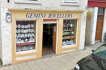 £5k jewellery robbery
