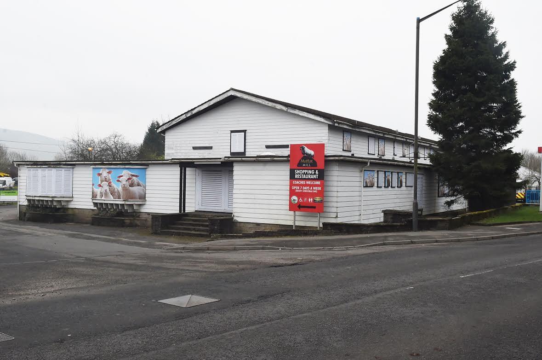 Rundown Moffat inn is community concern