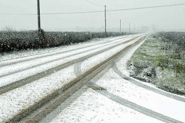 Snow expected following weather warning