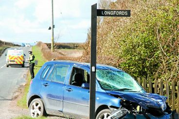 Emergency services called to Low Road crash