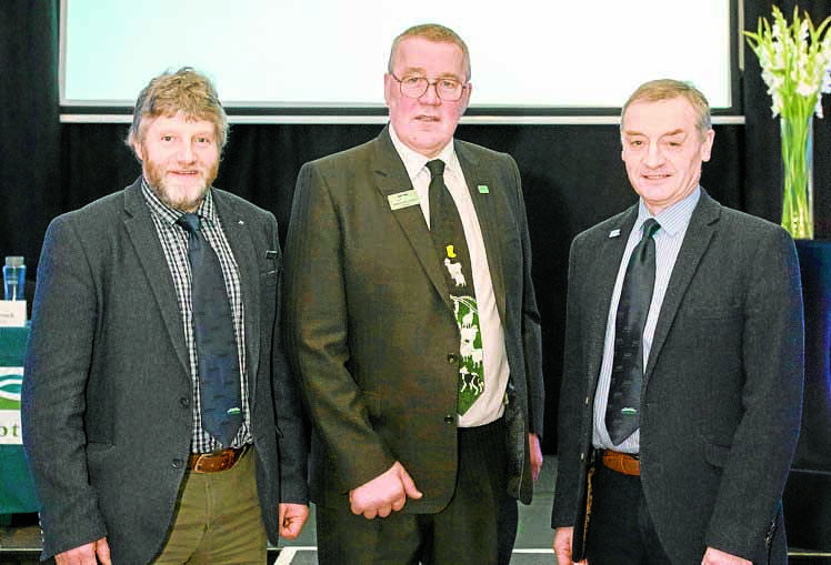Andrew keeps top NFU job