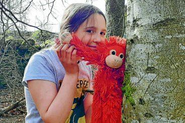 Silent schoolgirl stays schtum for the apes